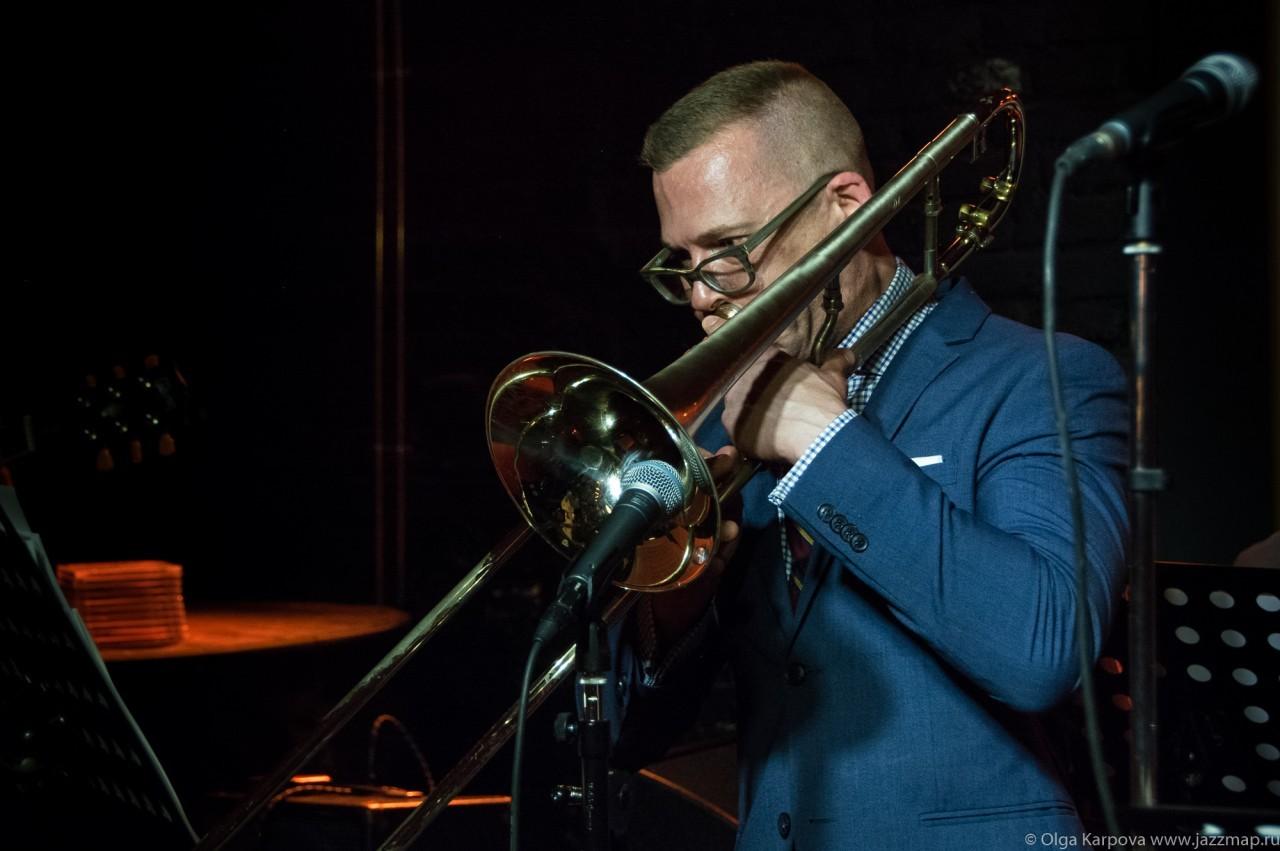 Дэвид Гибсон (тромбон) в Клубе Андрея Макаревича