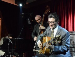 Straight Ahead- Joe Farnsworth's (NYC, drums) Tribute to the Hard Bop Masters
