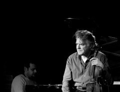 Скрипач Дидье Локвуд (Didier Lockwood) в клубе Эссе 07.04.2014