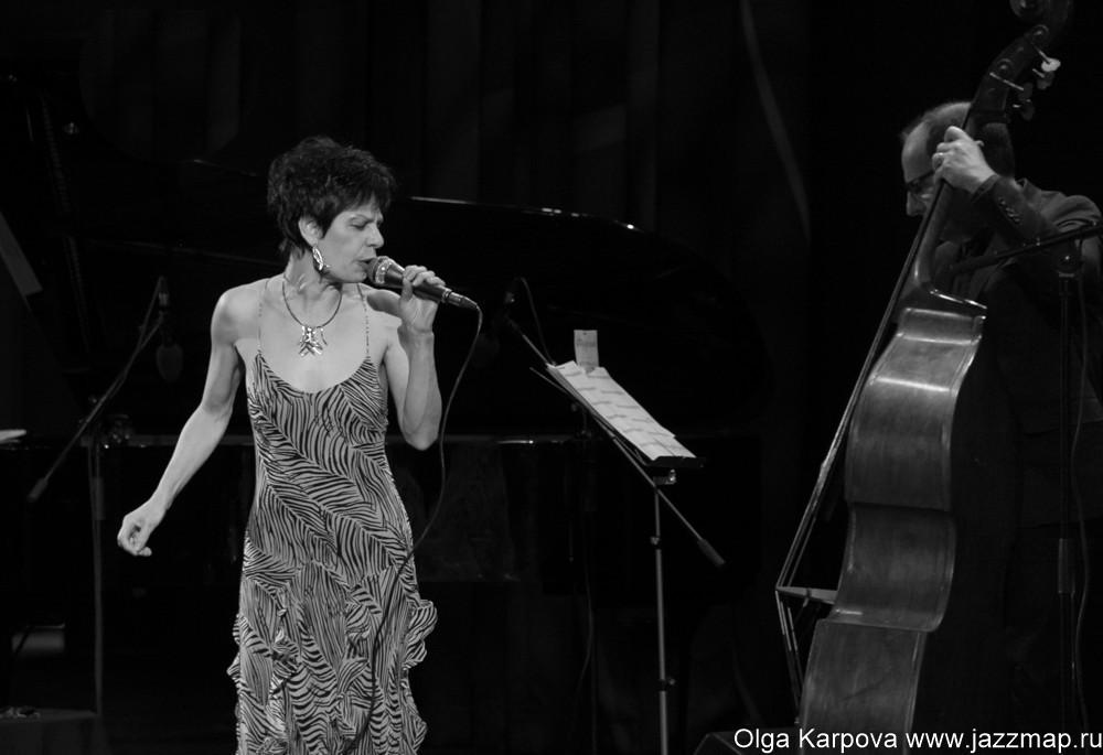 Джазовая певица Татевик Оганесян даст концерт в Ереване